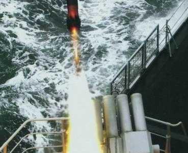 中国南海最新消息开火 美国军舰在南海被中国击沉